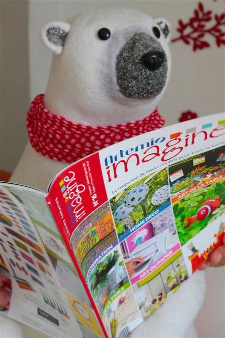 Ours et magazine